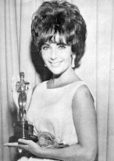 Elizabeth Taylor with her Academy Award