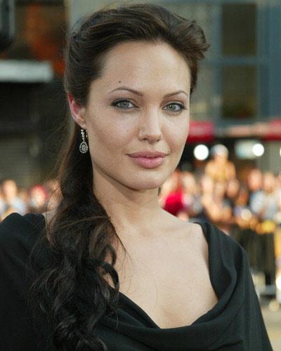 Angelina Joliemakeup