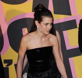 charlotte-casiraghi-rose-ball-2009-1