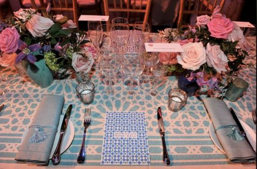 2010 Rose Ball Table Setting