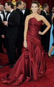 Penelope Cruz at the 2010 Academy Awards